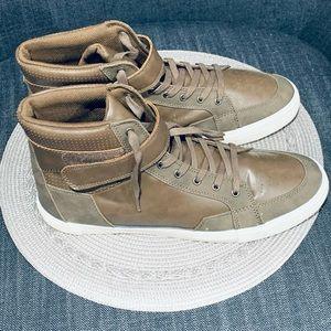 Men's Hi Top leather Guess Sneakers